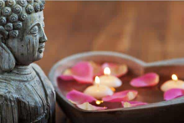 마음을 단련하는 달라이 라마의 8편의 시