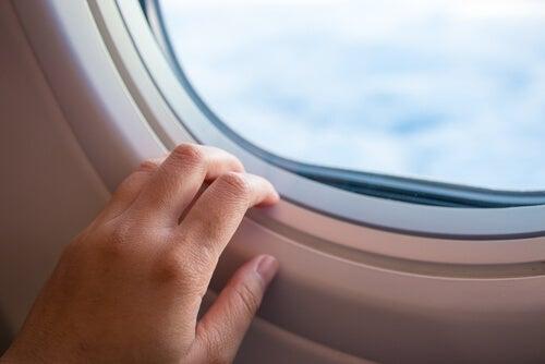 비행 공포증을 극복하는 방법