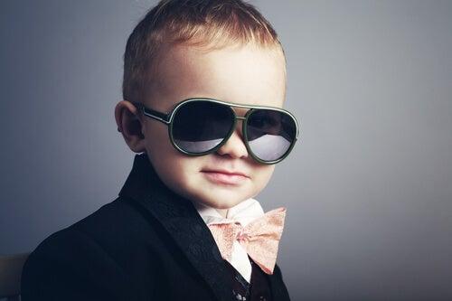 당신이 자아도취적인 아이를 키우고 있다는 5가지 신호