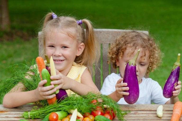 채소를 갖고 노는 아이들: 뇌 기능을 향상시키는 영양소