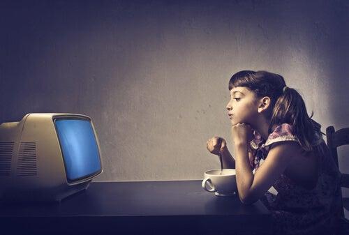아이들의 일과의 중요성 TV 보기