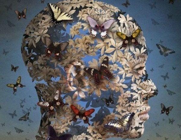 꽃과 나비로 덮힌 얼굴