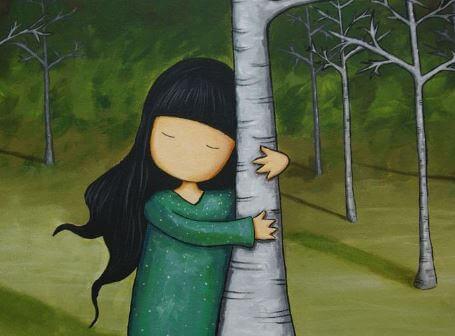 나무를 안고 있는 소녀