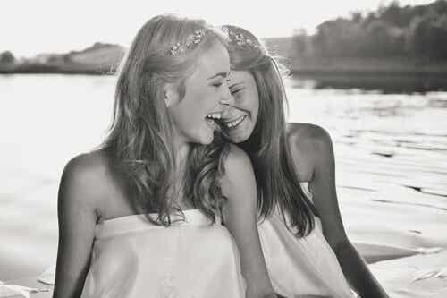 미소 짓는 법을 아는 사람들에게 삶은 최고의 선물
