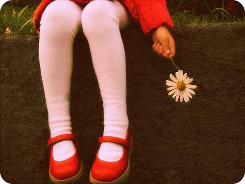 꽃 들고 있는 여자: 성별 구분 없이 아이 키우기