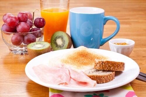 아침 식사를 거르는 습관