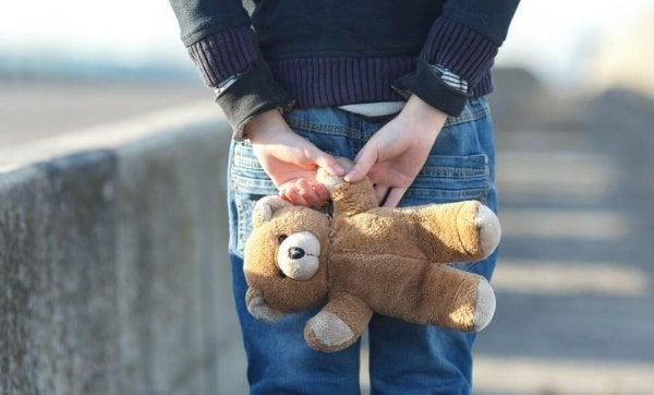 아이가 미소를 잃은 날: 아동 학대