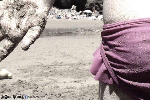 해변에서노는여자