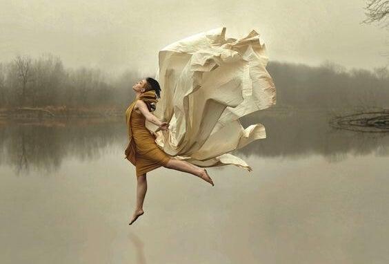 강물 위의 여자