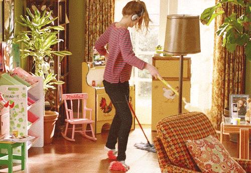 청소하면서 춤추기