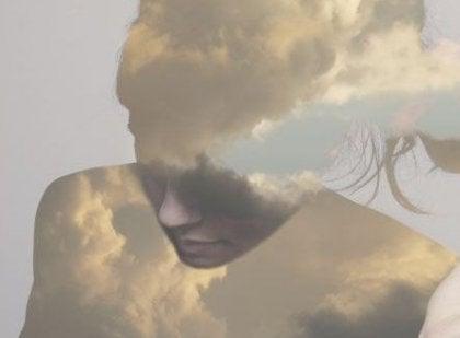구름낀 여인