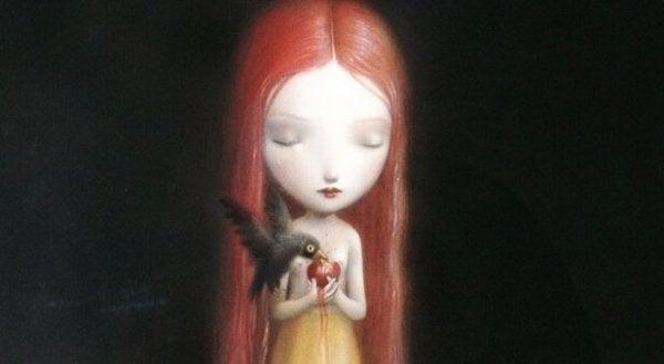 사과를 든 여자