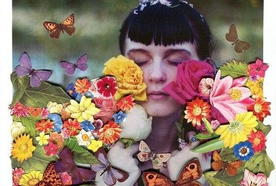 꽃에 둘러싸인 여자