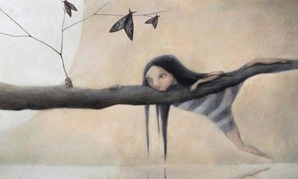 나무위 여자