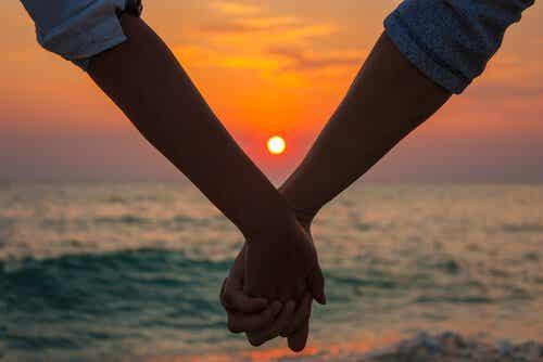 황혼 같은 사랑: 적절한 때에 찾아오는 성숙한 사랑