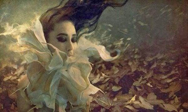 나뭇잎과 젊은 처녀