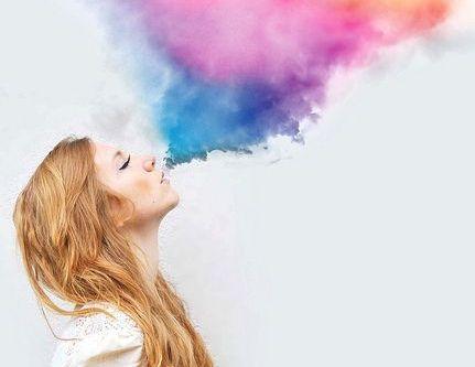 색깔많은 연기