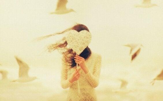 당신은 스스로를 사랑하는가? 자기애가 부족한 5가지 신호