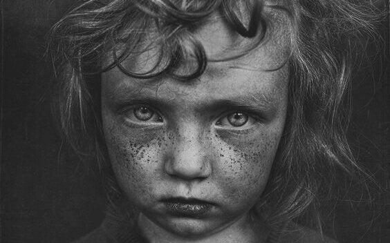 어린 시절의 트라우마와 관련된 5가지 기질