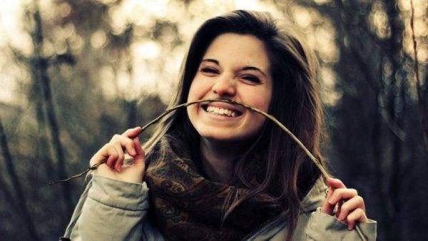 자신을 향해 웃을 수 있게 되는 5가지 방법