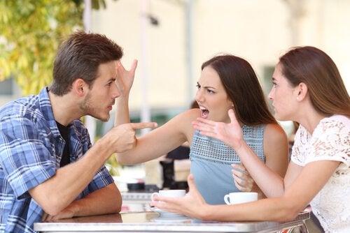편협한 사람들이 보이는 7가지 태도