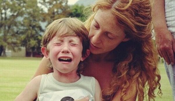 불안해 하는 아이를 진정시키는 심리기술 3가지