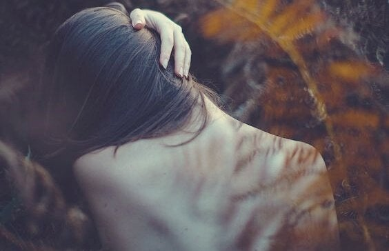 정서적 문제를 알려주는 7가지 신체적 신호