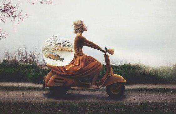 오토바이 여자