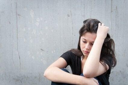 걱정하는 여자: 적응 장애