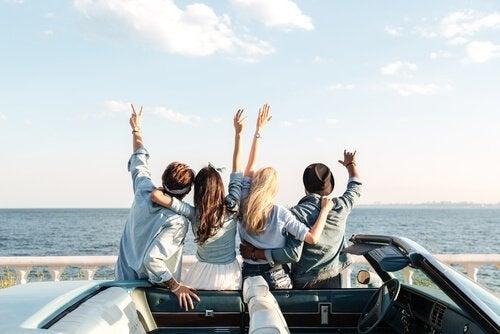 좋은 여행 친구의 특징: 좋은 친구와 함께 여행을 떠나자