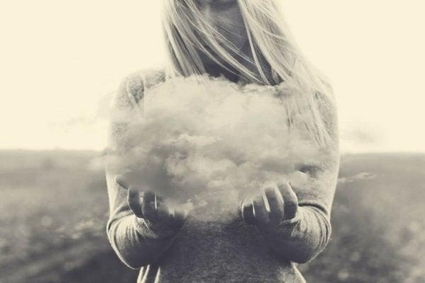 구름 잡은 여자