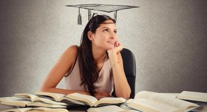 공부하는 여성