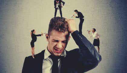 갈등에 대한 두려움: 두려움이 자기 방어에 방해가 될 때
