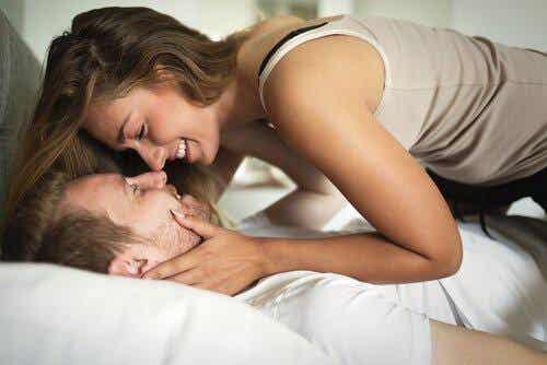 섹스를 자주 하는 것이 관계 개선에 도움이 된다