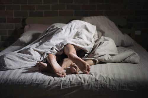 섹스솜니아(수면 섹스 장애): 자는 동안에 섹스를 하는 사람들