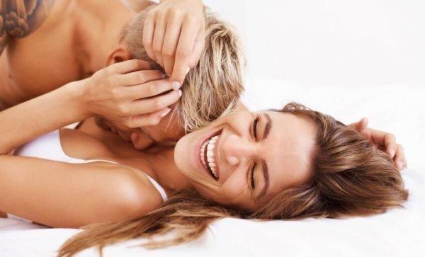 사랑하는 남녀: 섹스를 자주 하는 것이 관계 개선에 도움이 된다