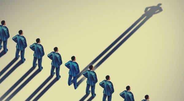 권위적인 사람들의 7가지 특징: 심리학에 따른 정의