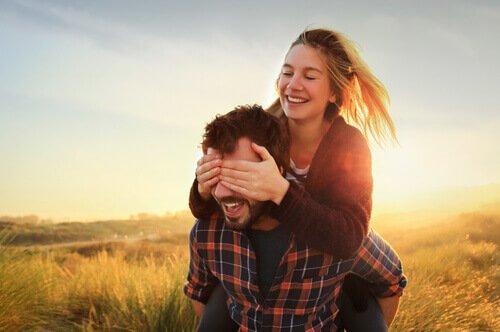 맹목적인 사랑: 상대방의 진정한 모습이 보이지 않을 때