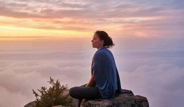 파블로 네루다의 시, '침묵 속에서': 친절함과 연결