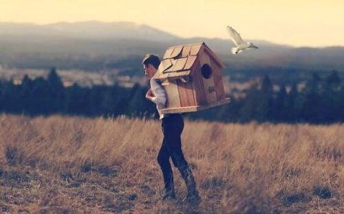 어려운 시기를 극복하는 데 도움이 되는 격려의 말 7가지