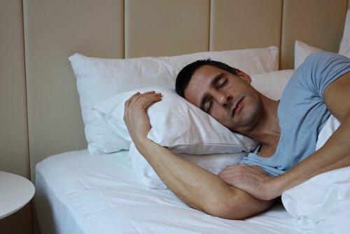 잠자는 남자