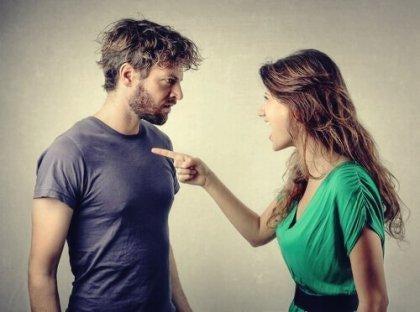 갈등에 중독된 남녀