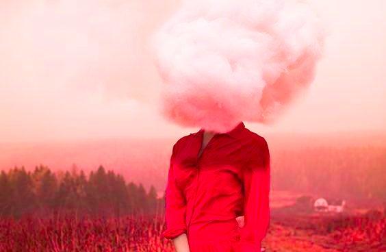 여자와 빨간 구름 머리: 인지 심리학