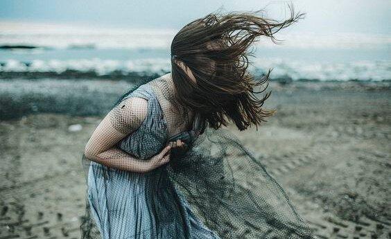 자기 파괴적인 사람들: 그들의 10가지 특징