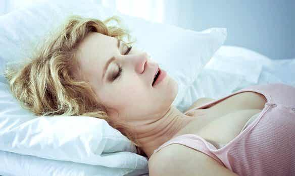 수면무호흡증의 원인, 징후 및 치료