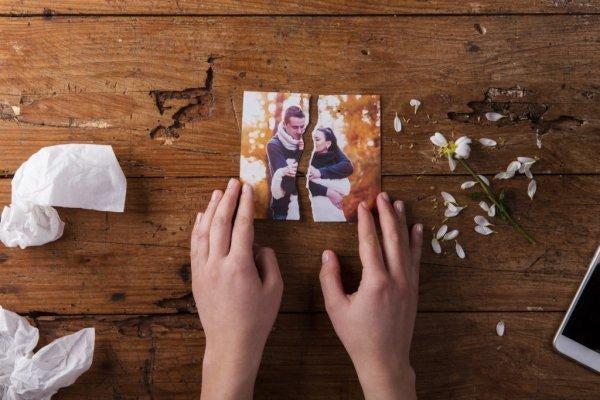 커플의 찢어진 사진: 불륜에 대한 3가지 잘못된 믿음