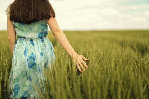 혼자 놀기: 혼자의 시간을 즐기는 여자