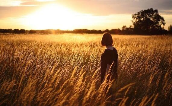 논밭의 소녀