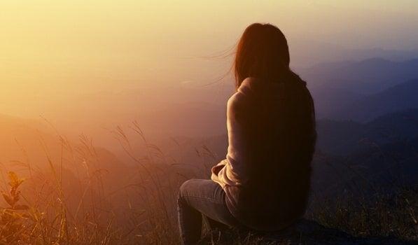 받아들일 수 없는 슬픔의 모순