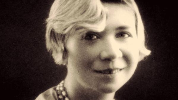 알폰시나 스토르니: 그녀가 남긴 5가지 유명한 명언